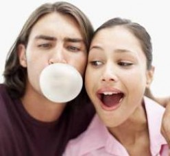 5 REASONS WHY YOU SHOULD CHEW GUM!