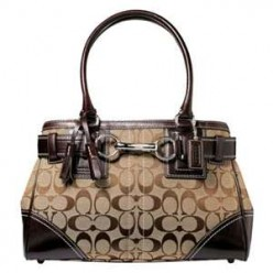 How To Tell An Imitation Coach Handbag From A Genuine One