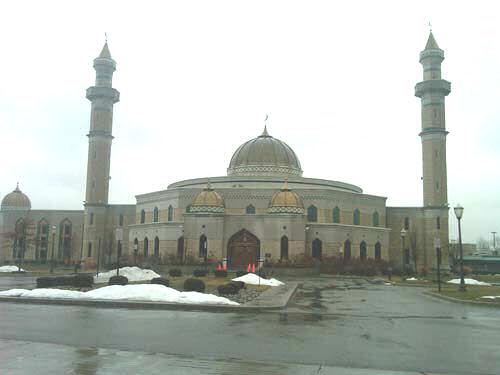 Enormous Mosque In Detroit.