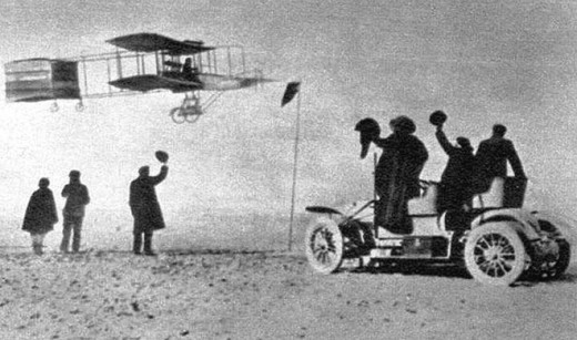HENRI FARMAN FLIES!