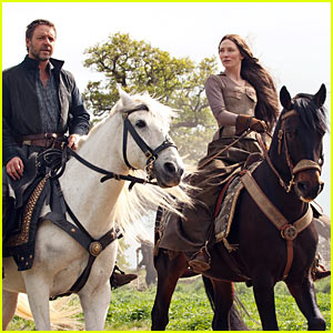 Russell Crowe, and Cate Blanchett in Robin Hood.