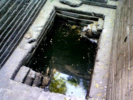 The sacred water tank (Kund) : a closure look