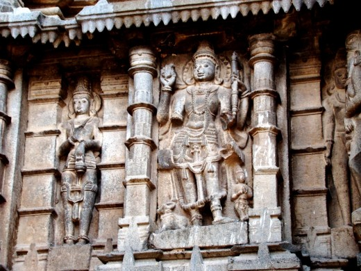 Stone sculpture on the outside wall of Aundha Nagnath temple