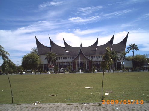 The headquarter of Universitas Negeri Padang -  one of the public University in Padang - the capital city of Sumatera Barat province; also use the construction Rumah Gadang style in its architecture.