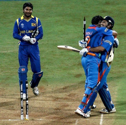 MS Dhoni Gets a Hug From Yuvraj Singh After Hitting The Winning Runs!