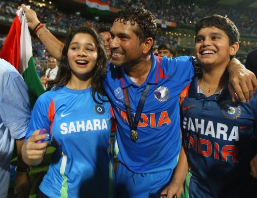 Sachin Tendulkar With His Son and Daughter After World Cup Victory 2011