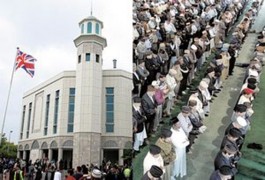 Ahmadiyyas at their Mosque