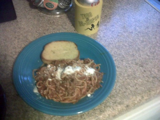 I busted out the cooking skills tonight to produce a complex meal of spaghetti with Texas toast.