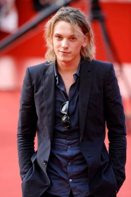 Jamie Campbell Bower being cool on the red carpet