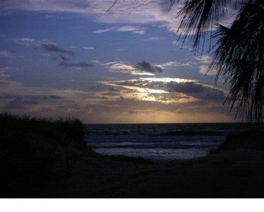 Sunrise over the beach - Fraser Island