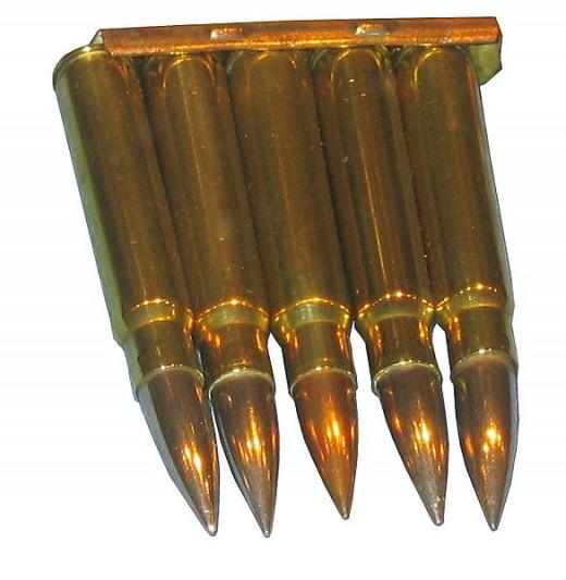 German World War I 5 round stripper clip with 7.92x57mm cartridges