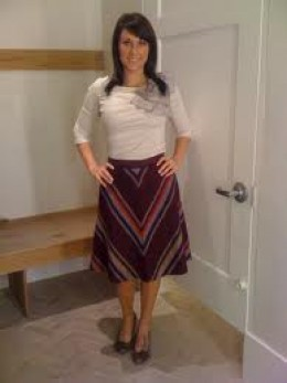 HERE IS AN EXAMPLE OF A FRUMPY TERRIBLE SKIRT - TO WEAR OVER PANTS OR EVEN OVER BARE LEGS!  JUST SAY NO