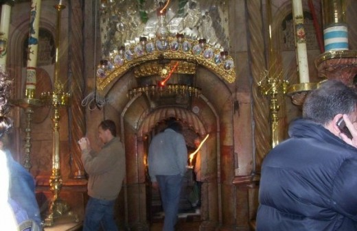 Entrance to Christ's tomb at Church of the Holy Sepulcher