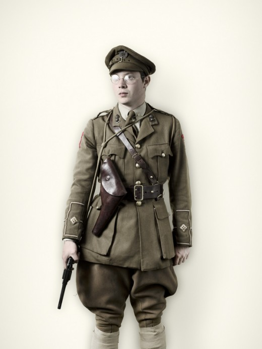 WW1 Officer wearing a Sam Browne