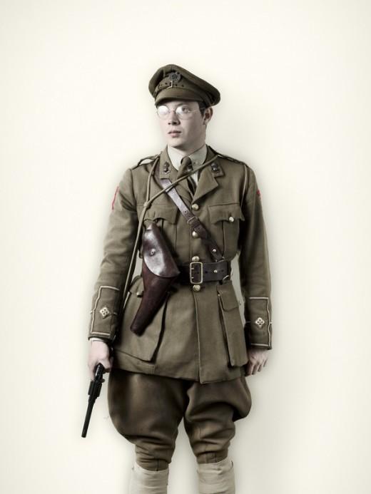 WW1 Officer wearing a Sam Browne