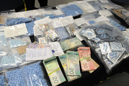 15, 000 counterfeit pills confiscated in a drugs bust in Canada in 2009. Source: Canadianmedicinenews.com