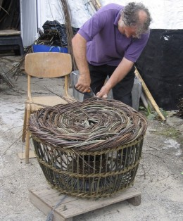 Making a lobster pot