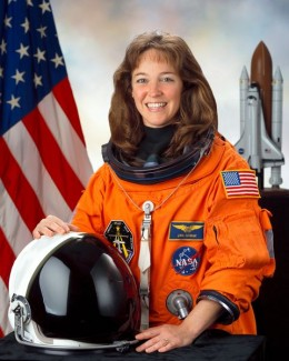 Nowak gained national attention on February 5, 2007, when she was arrested in Orlando, Florida, and subsequently charged with the attempted kidnapping of U.S. Air Force Captain Colleen Shipman, the girlfriend of astronaut William Oefelein.[2] Nowak w