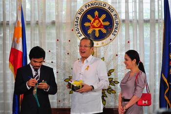 Pacquiao receives the Presidential Medal of Merit Image source: http://cdn.bleacherreport.net