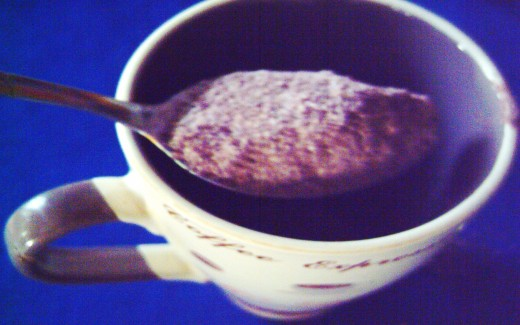 A tablespoon scoop of cacao powder (Photo by Travel Man)