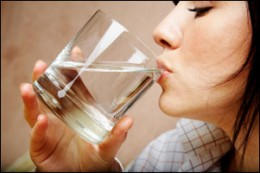 Drinking water to get rid of bad breath or halitosis
