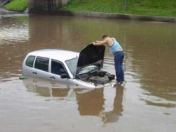 How to Drive Safely and Properly Throughout the Heavy Flooding Water