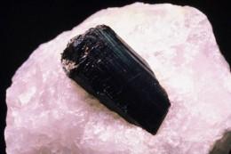 Black onyx in quartz