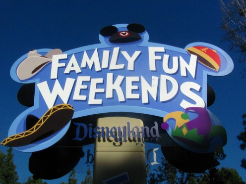 Family fun abounds at Disneyland. CC Lic: http://bit.ly/TO79Y