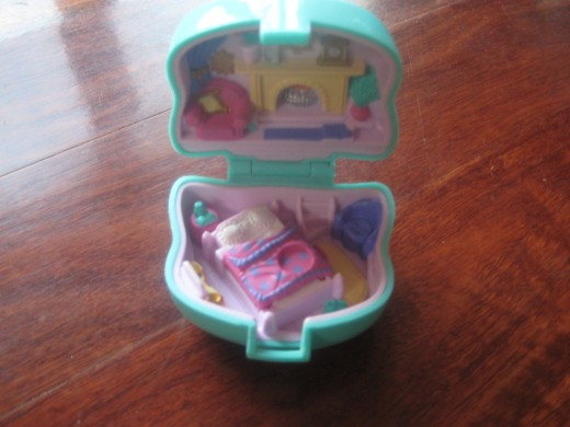 A Polly Pocket Mini House