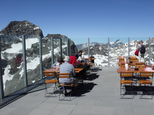 Mountain restaurant at over 3'000 metres altitude