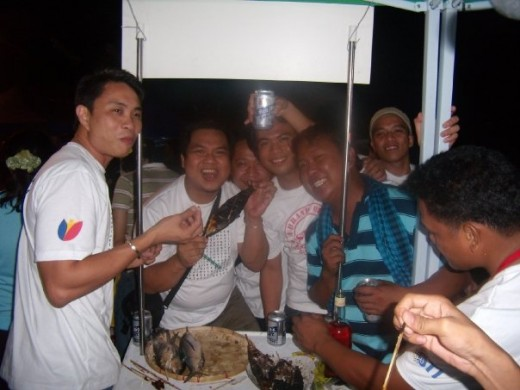 After the grilling then there comes the eating part... While my colleagues artists, singers and celebrities are entertaining the people with songs, variety show and live rock performances.