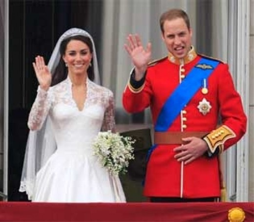 Here they are. The newly wedded royal couple!