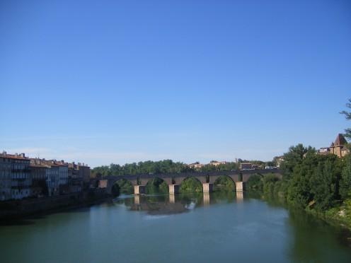 Bridge over the Tarn River, at Montauban