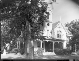 Burwell house in 1917