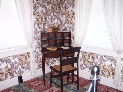 Lincoln's desk in bedroom, similar to the desk he used to write the Emancipation Proclamation.