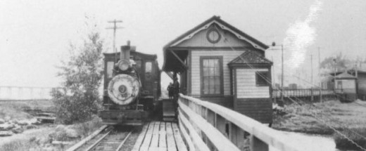 A north-bound train waits at the Wiscasset station for departure time.