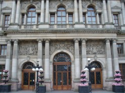 The City Chambers' grandiose balcony and main doorway, designed by William Young and completed in 1888
