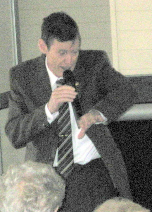 Tom addressing the Australina 'Association of First Fleeters' on 7th May 2011