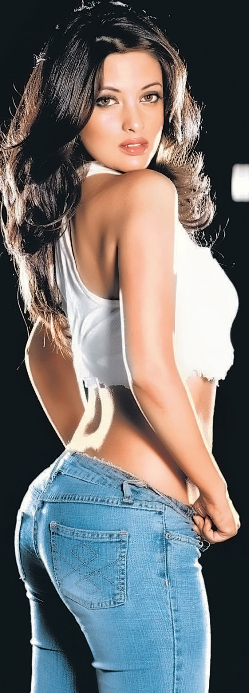 Riya Sen is an Indian actress well known for both talent and beauty.