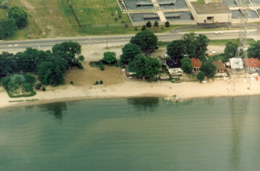 This aerial photo, about 1995, shows some of the cottages along the Burlington Beach Strip before they were demolished to make way for Beachway Park.