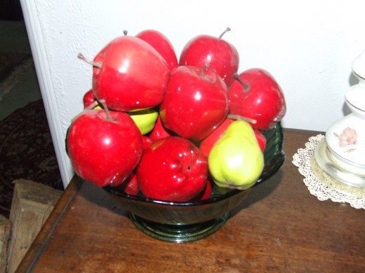 I spotted a Fruit Bowl that held Artificial Fruit that was not a necessary thing.