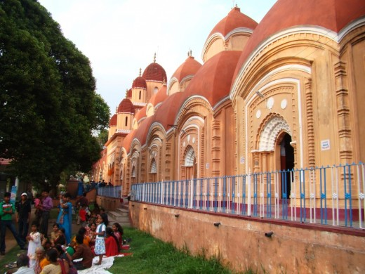 The rows of temples at Shyamnagar Mulajor Kali temple complex
