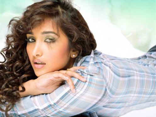 Jian Khan is a Bollywood actress who is becoming quite popular in India.