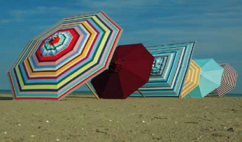 Beach umbrellas together create a work of art. Image from Janus et Cie