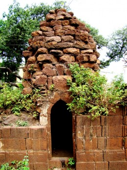 An uinfinished/destroyed abandoned temple at Khandra : close up --  no idol is there inside