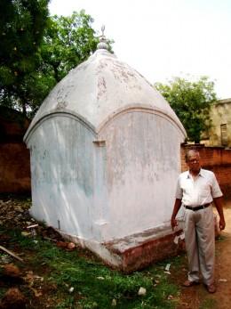 A CHAR CHALA (4 roofed) small Shiva temple at Khandra near the Gopal Temple