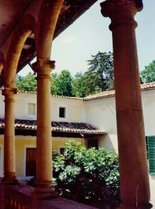 La Granja Building