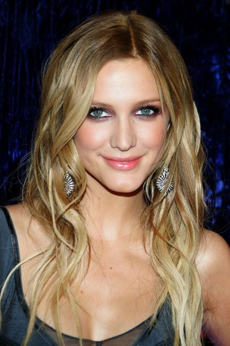 2015 medium wavy curly homecoming hairstyles