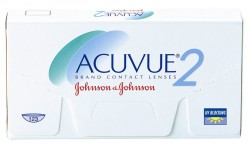 Differences Between Acuvue 2 & Acuvue Advance Eye Contacts
