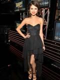 How to Dress Like Selena Gomez: Get Selena's Style